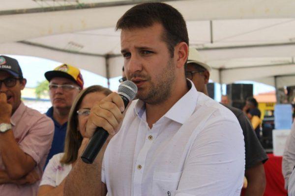 Prefeito de São João do Cariri anuncia antecipação do salário dos servidores para antes do carnaval